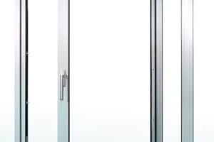 """<div class=""""bildtext"""">Der Beschlag Portal HS-Technik ermöglicht Öffnungsweiten bis zu 12 Metern.</div>"""