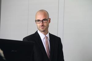 "<div class=""bildtext"">Dr. Mathias Klaiber von Gartner.</div>"