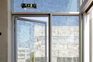 """<div class=""""bildtext"""">Eine Stahlaußentüre aus forster unico ist Referenz im Campus Hoogvliet in der niederländischen Stadt Hoogvliet.</div>"""