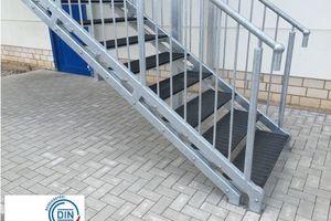 """<div class=""""bildtext"""">Die Sicherheitsstufen können auch auf Stahltreppen nachgerüstet werden.</div>"""