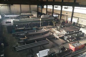"""<div class=""""bildtext"""">Die Werkstatt der 29-jährigen Unternehmerin: die 1.100 Quadratmeter große Werkshalle in Geldern. </div>"""