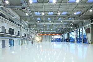 Die Halle des Zentrums für Angewandte Luftfahrtforschung ZAL TechCenter in Hamburg wurde mit Trägern in S355 gebaut. Die Gebäude des Forschungsinstituts wurden Anfang 2016 eröffnet.