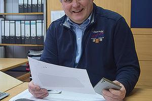 """<div class=""""bildtext"""">Geschäftsführer Harald Böhl ist überzeugt, dass Metallbauer mit seinem System Geld verdienen können.</div>"""