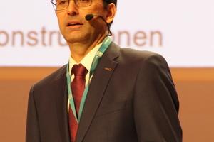"""<div class=""""bildtext"""">Prof. Martin Mensinger von der TU München.</div>"""