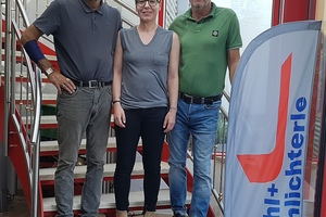 "<div class=""bildtext"">Die drei Geschäftsführer des Metallbaubetriebes Kahl &amp; Schlichterle: v.l.:</div><div class=""bildtext"">Bernd Schlichterle, Esther Johanna Kahl, Jörg Sill.</div>"