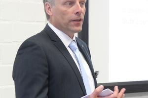 """<div class=""""bildtext"""">Dipl.-Ing. Frank Gröning von TÜV-Nord Systems referierte über wesentliche Änderungen der DIN EN ISO 15614-1.</div>"""