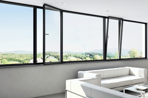 Innenansicht der Fenster zeigt die schmalen Rahmen mit AWS 75 PD.SI von Schüco.