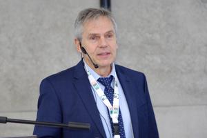 """Mediziner Prof. Dr. Herbert Plischke: """"Jeder Mensch braucht natürliches Licht"""""""