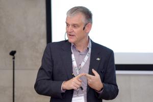 "Prof. Mathias Wambsganß: ""Licht ist Grundnahrungsmittel."""