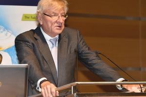 """<div class=""""bildtext"""">Dieter Schäfer, Vorsitzender des Ausstellungsbeirats der BAU.</div>"""