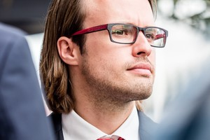 """<div class=""""bildtext"""">David Giese − Experte für Identitätsbetrug.</div>"""