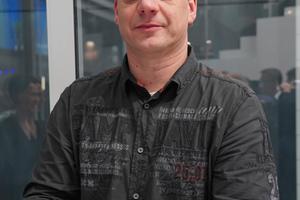 """<div class=""""bildtext"""">Metallbauunternehmer Werner Hoffmann aus Meschede.</div>"""