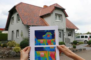 """<div class=""""bildtext"""">Thermografie wird im Metallbau vor allem für Fenster, Fassaden und Dächer angefragt.</div>"""