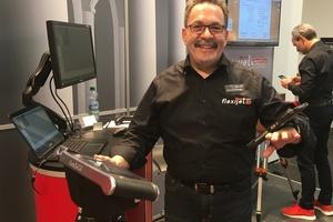 """<div class=""""bildtext"""">Konrad Schwegler arbeitet bei Flexijet als Dienstleister und Vertriebler.</div>"""