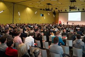 """<div class=""""bildtext"""">Sehr gut besucht war der Vortrag von Jörg Marks, Leiter Technik &amp; Bau bei der Flughafengesellschaft Berlin Brandenburg. Er referierte über die Brandschutz-Planungspannen am BER.</div>"""