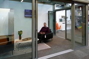 """<div class=""""bildtext"""">Klaus Kroiher vom Fachbetrieb für Fenster, Türen und Wintergärten Kroiher in Raubling war nach zwei Jahren Pause 2019 wieder dabei.</div>"""