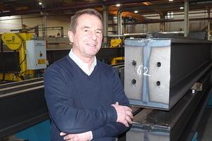 """<div class=""""bildtext"""">Rudolf Hehrlein war bei bei Uhl als Montageleiter und Werkstattleiter tätig. Heute ist der 62-Jährige in dem Betrieb als Prokurist angestellt.</div>"""