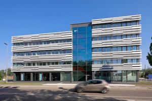 Die Metallbauer von Freyler haben in Bietigheim-Bissingen für die Bietigheimer Wohnbau die Fassade des medizinischen Dienstleistungszentrums umgesetzt.<br />