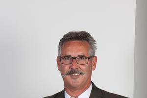 """<div class=""""bildtext"""">Alfred Buck hat seit 23 Jahren eine Niederlassung für Metallverarbeitung im US-Bundesstaat South Carolina.</div>"""