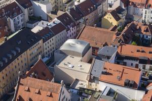 80 Jahre nach der Zerstörung der Jugendstil-Synagoge durch die Nationalsozialisten wurde im Februar die neue Synagoge im Regensburger Stadtzentrum eröffnet.<br />