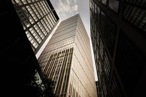 Nach Entwürfen der Berliner Architekten Thomas Müller Ivan Reimann entstand der Marienturm im Herzen des Frankfurter Central Business District.
