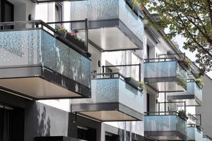 """<div class=""""bildtext"""">Bei HK Balkonbau in Garching werden zwischen 60 und 80 Prozent Aluminiumbalkonsysteme nachgefragt.</div>"""