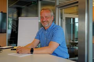 """<div class=""""bildtext"""">Unternehmer Kai Teckentrup.</div>"""