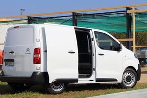 "<div class=""bildtext"">Der Fahrzeugtester Olaf Meier bescheinigt dem PSA-Konzern: Mit dem Citroen Jumpy ist ein Generationensprung gelungen.</div>"