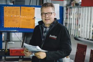 """<div class=""""bildtext"""">Matthias Bader, Geschäftsführer der Bader Pulverbeschichtung in Aalen, bestätigt: """"Die Anforderungen an Metalloberflächen wachsen.""""</div>"""