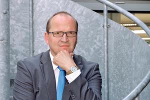 """<div class=""""bildtext"""">Mark Huckshold ist Geschäftsführer des Industrieverbands Feuerverzinken e.V. sowie des Instituts Feuerverzinken GmbH in Düsseldorf.</div>"""