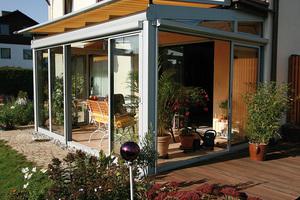 """<div class=""""bildtext"""">Das Terrassendach TD ist ein Überdachungssystem mit sowohl außenliegender als auch innenliegender Statik.</div>"""