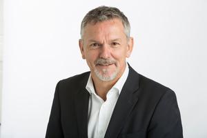 """<div class=""""bildtext"""">Geschäftsführer Harry Bienz (58): """"Unsere Fassadenprojekte liegen in Größenordnungen zwischen drei und zehn Millionen CHF.""""</div>"""