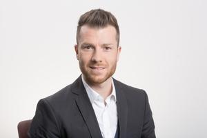 """<div class=""""bildtext"""">Thomas Schneider, Geschäftsführer von Uhl Stahl- und Metallbau in Würzburg.</div>"""