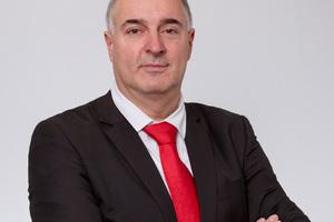 "<div class=""bildtext"">Gerald Pampel, Verkaufsleiter Hochwasserschutz bei Prefa. </div>"