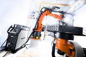 """<div class=""""bildtext"""">Im Fokus des EWM Messeauftritts steht der Bereich Automatisierung. </div>"""