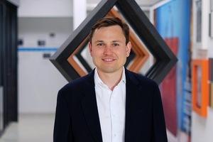 """<div class=""""bildtext"""">Juniorchef Bastian Timm hat mit RP Technik ein Sonderprofil auf Basis des Systems Fineline entwickelt.</div>"""