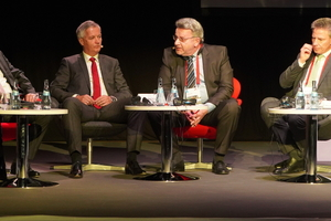 "<div class=""bildtext"">Beim Roto-Plenum: v.l. Hanspeter Gasser, Dr. Eckhard Keil, Dr. Heinz Scharl, Moderator Frank Linnig, Andreas Hartleif und Marc Bonjour.</div>"
