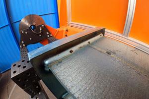 Die Schweißnaht hat der Roboter mit IRP-System in Eigenregie erstellt. Für die Bedienung der Maschine ist keine Fachkraft nötig.<br />