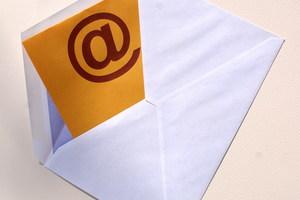 """<div class=""""bildtext"""">Auch via E-Mail lassen sich in Briefform erstellte Angebote versenden. Ergänzt mit Abbildungen wirken diese stärker als übliche E-Mails.</div>"""