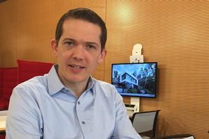 """<div class=""""bildtext"""">Raphael Viemeister, Geschäftsführer von PlanToBuild.</div>"""