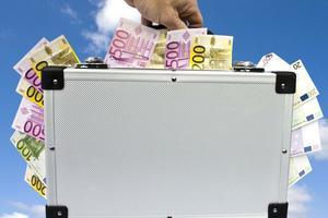 """<div class=""""bildtext"""">Die Bundesregierung greift mit schnellem Geld und wenig Bürokratieaufwand den Betrieben unter die Arme.<br /></div>"""