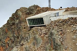 """<div class=""""bildtext"""">Das James-Bond-Museum (""""007 elements"""") in Sölden.</div>"""