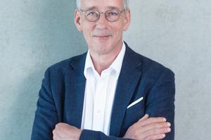 """<div class=""""bildtext"""">Unternehmensberater Werner Broeckmann.</div>"""