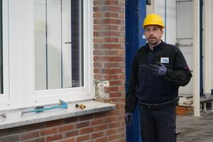 """<div class=""""bildtext"""">Das Mauerwerk um das Fenster sowie Befestigungsmittel spielen für die Einbruchhemmung eine große Rolle. Die E DIN EN 1627 beachtet dies.</div>"""