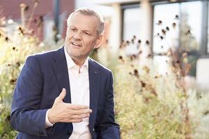 """<div class=""""bildtext"""">Andreas Engelhardt: """"Schüco hat als eines der ersten Branchenunternehmen 2017 erstmals einen Nachhaltigkeitsbericht veröffentlicht, planmäßig folgt nächstes Jahr der dritte.""""</div>"""