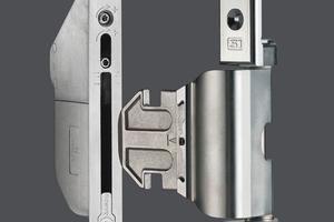 """<div class=""""bildtext"""">Das verdeckt liegende axxent Türband ist für Haustüren aus Aluminium geeignet.</div>"""