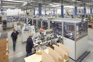 """<div class=""""bildtext"""">Am Hauptstandort Niederdielfen sind ca. 1.000 Mitarbeiter mit der Herstellung von Beschlägen beschäftigt. </div>"""