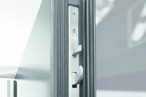 """<div class=""""bildtext"""">Roto Safe C C600 eignet sich für Haupt- und Nebeneingangstüren aus Holz, Kunststoff oder Aluminium.</div>"""