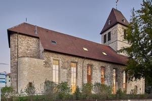 Am 19. Juli 2020 wurde die Evangelische Johanneskirche wieder eröffnet. Der Kirchenraum wurde für die runf Hundert praktizierenden Gläubigen verkleinert.<br />