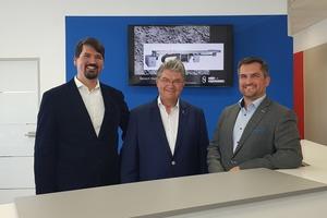 """<div class=""""bildtext"""">Walter Gernhard (Mitte) mit seinen geschäftsführenden Söhnen Thomas (links) und Andreas Gernhard (rechts). </div>"""